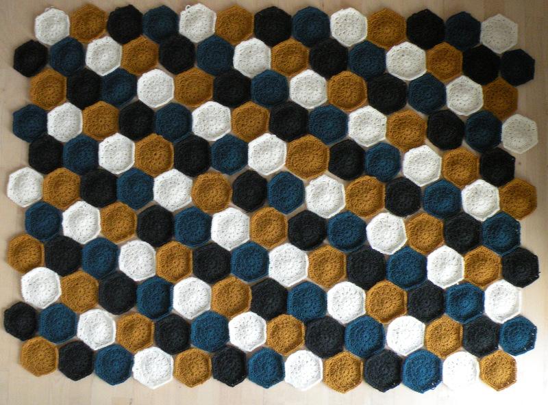 Hæklet tæppe - Tæppet inden sammensyning